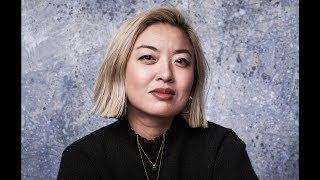 Zapętlaj HOW CATHY YAN LANDED THE BIRDS OF PREY DIRECTING GIG: U.S.-CHINA ENTERTAINMENT SUMMIT | HollywoodBro
