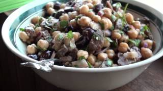 The Best Vegan Turkish Garbanzo Bean Salad Recipe
