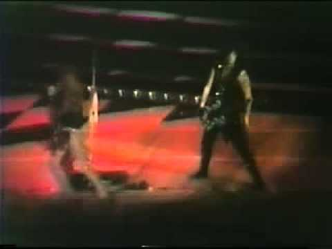 Motley Crue live in 1985 - Fight For Your Rights