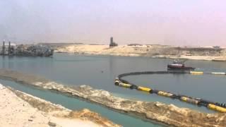 شاهد 10كراكات تعملل ليلا ونهارا فى القطاع الاوسط بقناة السويس الجديدة 28مارس 2015