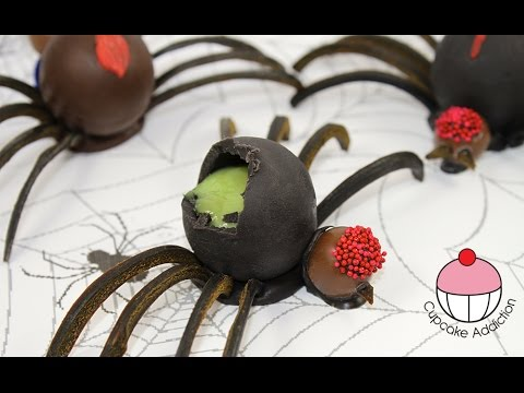 Halloween Jello Spiders - No Bake Halloween Treats with Cupcake Addiction