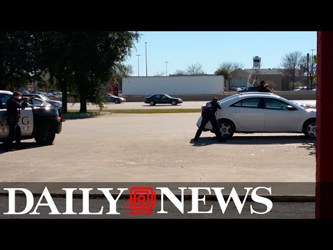 Armed robber who took Texas woman hostage killed by police