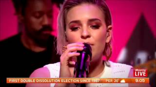 Anne-Marie - Do It Right LIVE