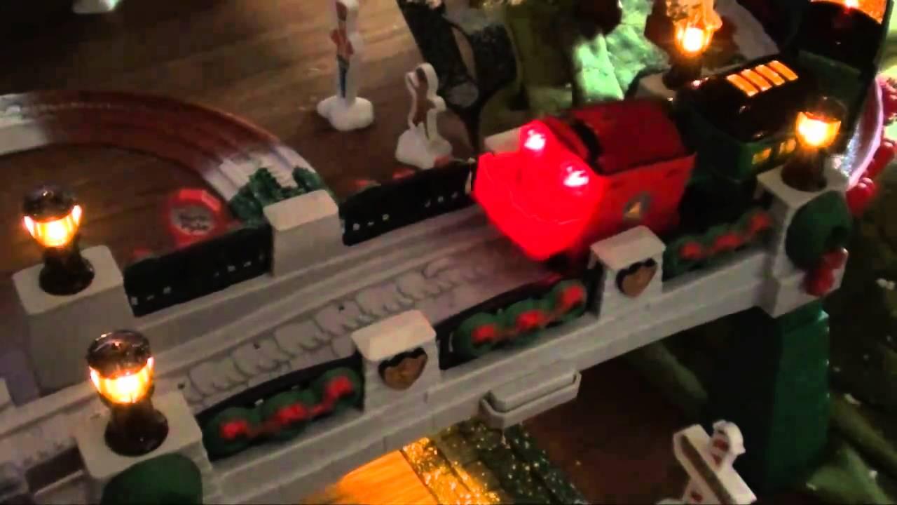 GeoTrax Christmas Train - YouTube