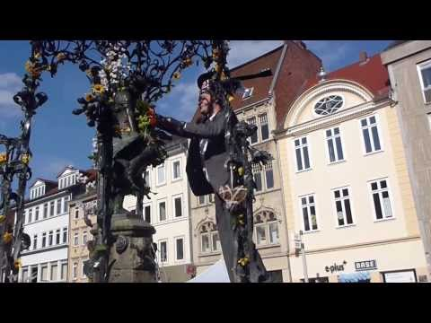 Göttingen University: PhD kissing the Gänseliesel