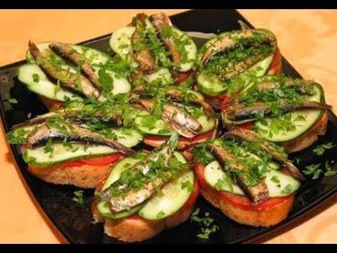 Как делать бутерброды со шпротами и огурцом