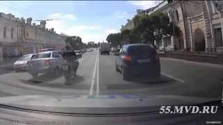 Омская полиция: как останавливать мотоциклистов | Omsk police: how to stop motorcyclists(, 2015-05-27T10:25:19.000Z)