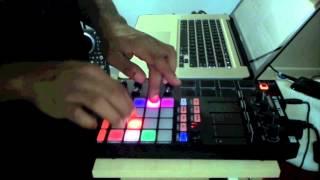 Traktor Remix Deck Finger Drumming (Dj Dangles)