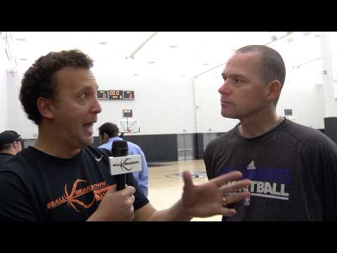 Kings Coach Mike Malone Breaks Down His Offense