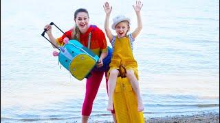 Мама и Марго собираются в путешествие