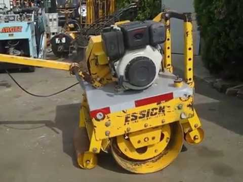 I 5071 essick walk behind asphalt paving roller youtube for Essecke roller