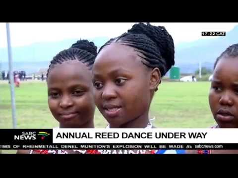 Download Thousands of maidens attend the annual Reed Dance