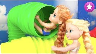 Fiesta en el PARQUE ACUÁTICO Elsa y Anna Frozen Parque acuático Water Park