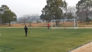 02/17/2017 Honda  FC綾町キャンプ GK楠本祐規選手へのコーチ陣千本ノック(シュート)
