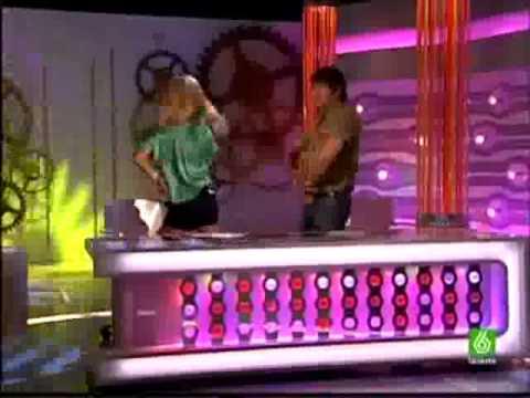 Patricia y Miki bailan ye sui enamorado de tua