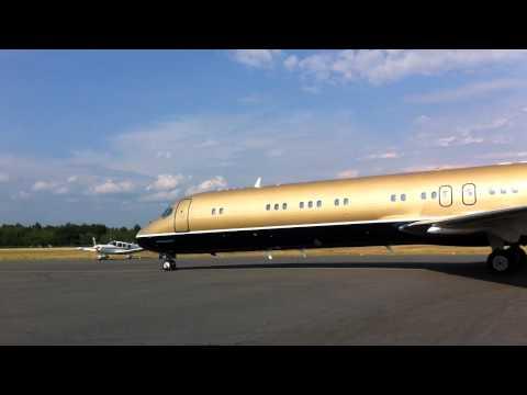 Private MD-87 VP-CNI landing in Muskoka (CYQA)