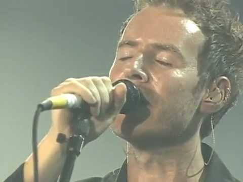 Massive Attack - Inertia Creeps (Live In France 1998 - Mercury Awards TV Performace)