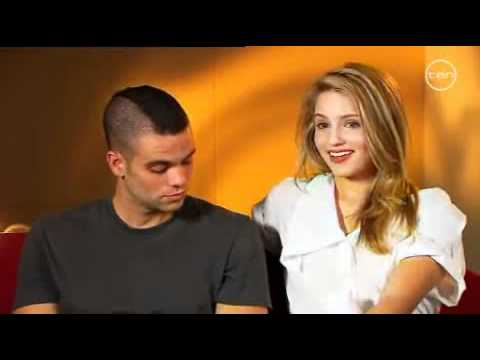 Glee - Interview of Mark Salling and Dianna Agron in Australia .