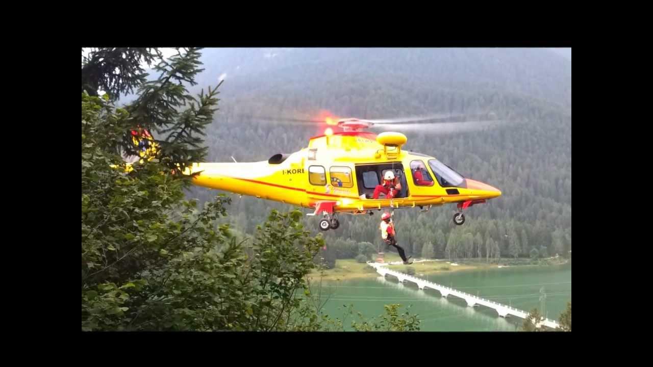 Elicottero Soccorso Alpino : Soccorso alpino centro cadore dimostrazione elicottero