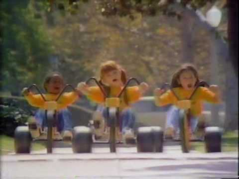 VINTAGE 80'S TOYS R US COMMERCIAL I DON'T WANNA GROW UP, I'M A TOYS R US KID