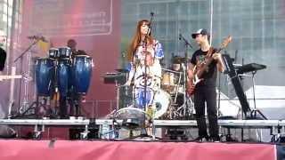Aura Dione Friends Live HD