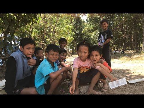 أطفال القرى المنكوبة يحاولون تجاوز الصدمة النفسية بعد زلزال لومبوك بإندونيسيا  - نشر قبل 2 ساعة