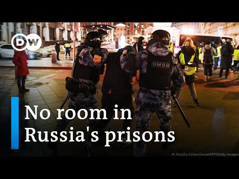 Russia's prisons fill with Navalny supporters after mass arrests  | Focus on Europe
