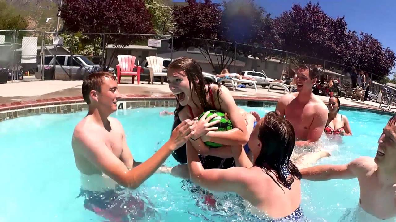 Watermelon Ball - The Ultimate Swimming Pool Game! - YouTube