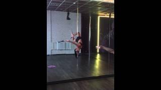 Pole dance (танец на шесте, танец на пилоне)(, 2015-06-08T09:39:38.000Z)