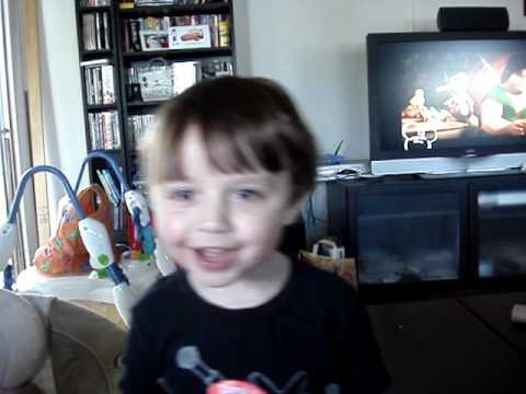Elliott Sings the Ellen Degeneres Theme