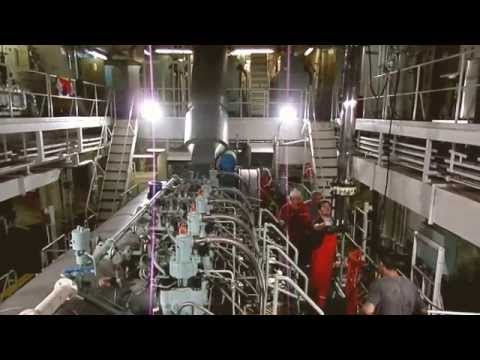 Huge repairs - Dismantling ship engine piston