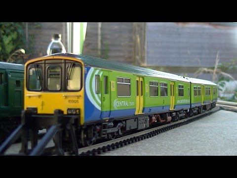 Bachmann class 150 Sprinter Central Trains  2