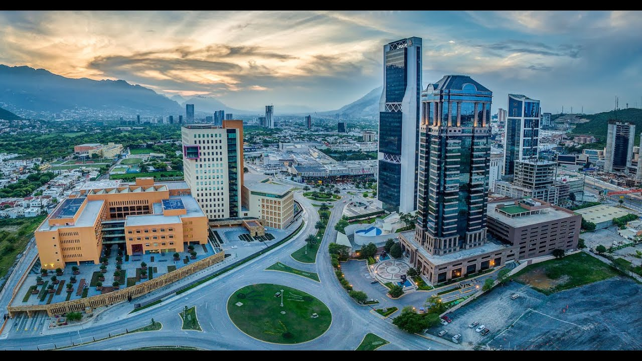 Edificios De Monterrey (Tomas Aéreas)