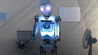 Бал роботов. Робот Теспиан.