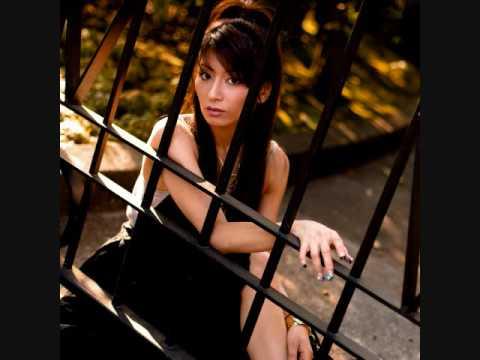 2009.8.19発売 彩音凛デビューシングル 『hanabi ~with you~』 カップリング曲『マネキン』のサビ部分になります。ご試聴ください.
