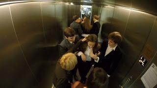 Обморок в лифте! А насколько равнодушен ты ?(Всем привет! Мы подготовили для вас интересное видео в котором проверим на сколько равнодушны наши студент..., 2016-02-18T19:04:59.000Z)