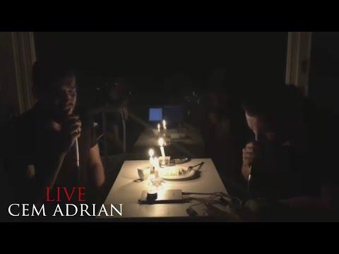 Cem Adrian & Halil Sezai - Gaziantep Yolunda (Live - Mum Işığında Şarkılar)
