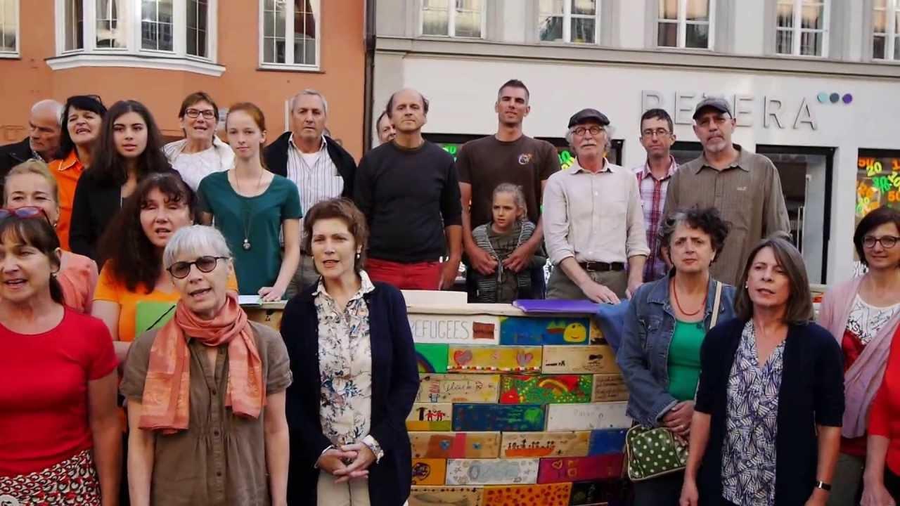 Chor der Vielfalt @ SOS-Boat of Hope - YouTube