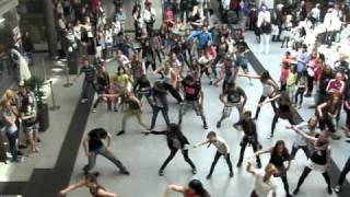 Flashmob Bahnhof Nürnberg - Stafaband