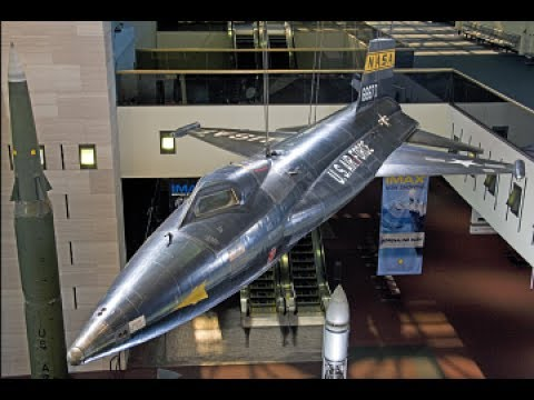 Tour the Smithsonian Air And Space Museum Washington DC