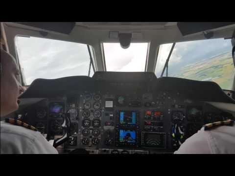 Jetstream 32 cockpit take-off and landing
