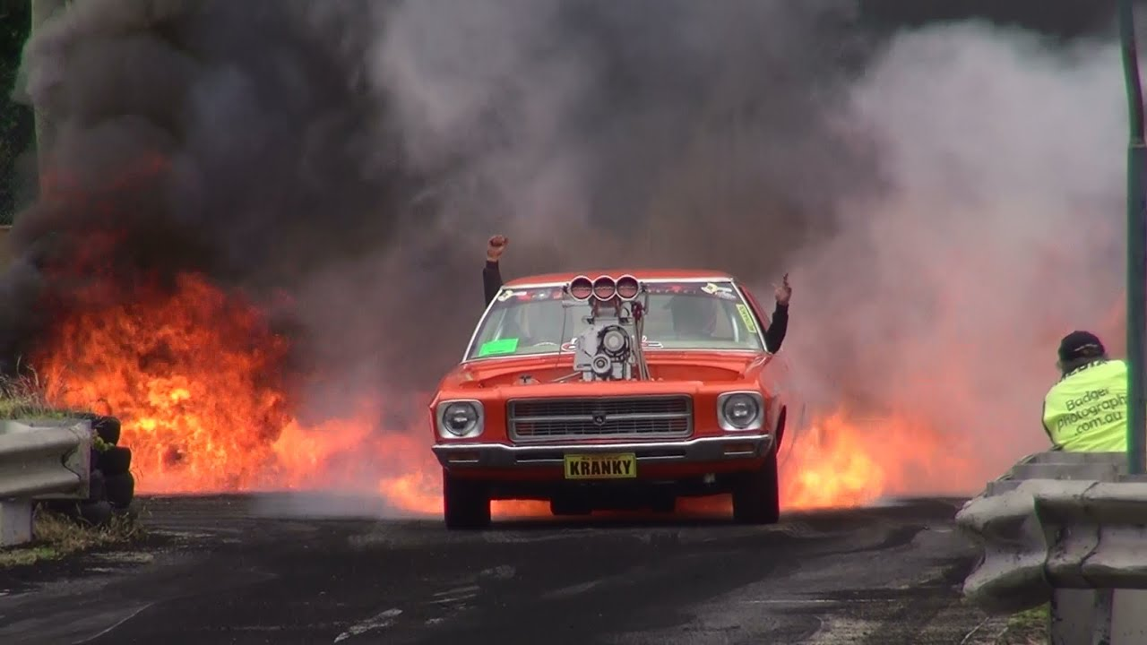 BLOWN V HOLDEN HQ KRANKY CATCHES FIRE IN THE BURNOUT FINALS - Cool cars doing burnouts