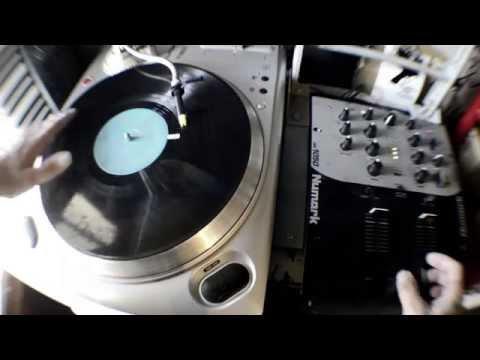 DJ Santo Uno - Metal Scratch