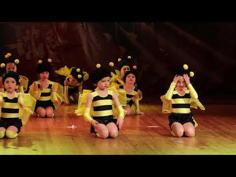 """Сувенир"" (детская группа) на конкурсе ""Музыка сердец 2019""  Пчелки"