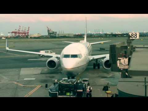 Airplane Landing and Take Off : Airport Flight Activity