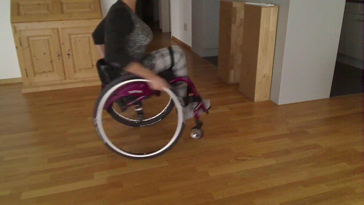Paraplegic pretender wheelie - YouTube