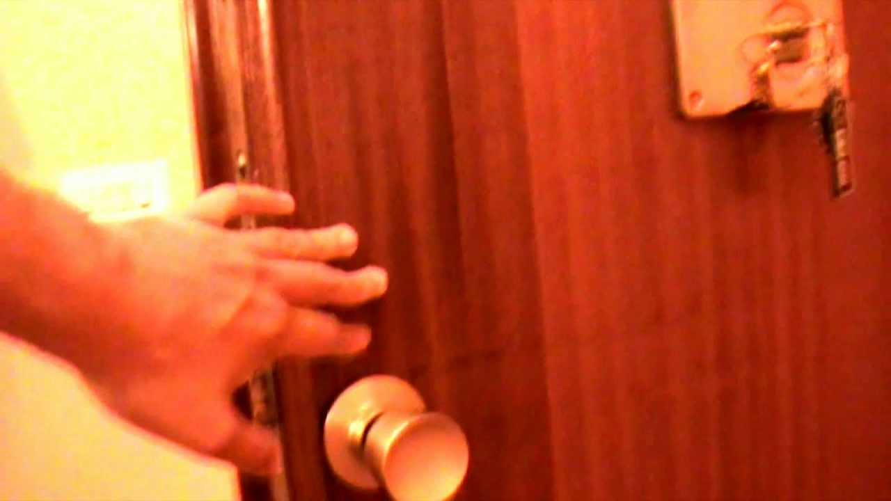 Che como abrir una puerta de pomo redondo youtube - Pomos con cerradura ...