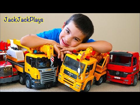 pretend-play-crane-truck-fishing-for-surprise-toys---jackjackplays