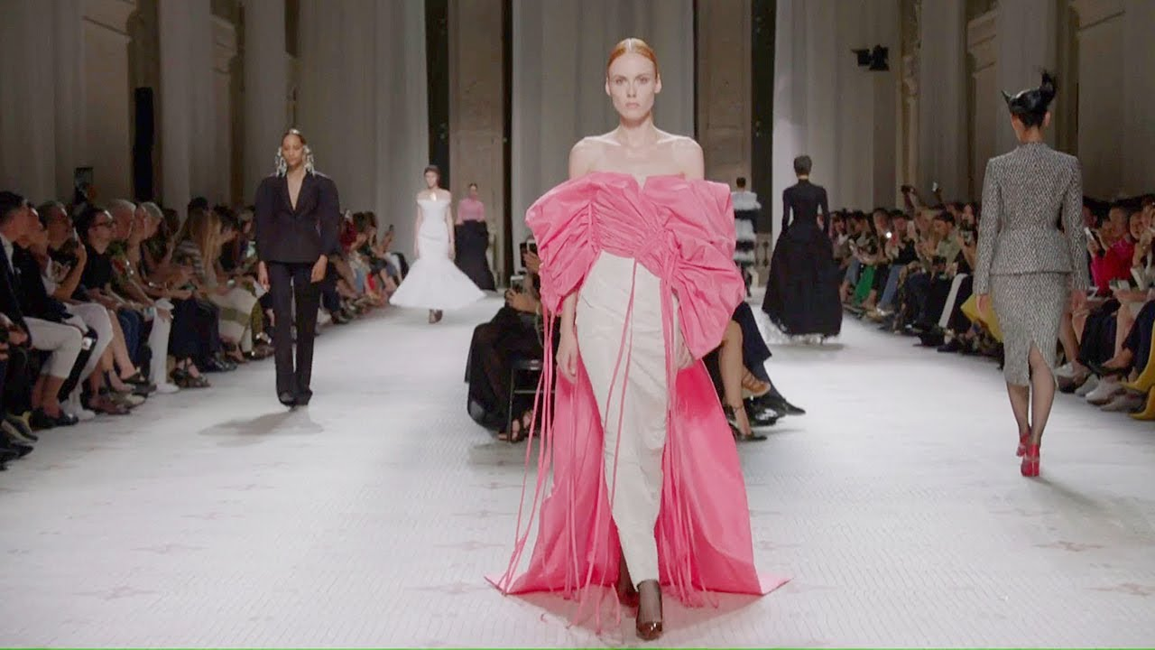 [VIDEO] - Givenchy | Haute Couture Fall Winter 2019/2020 | Full Show 2