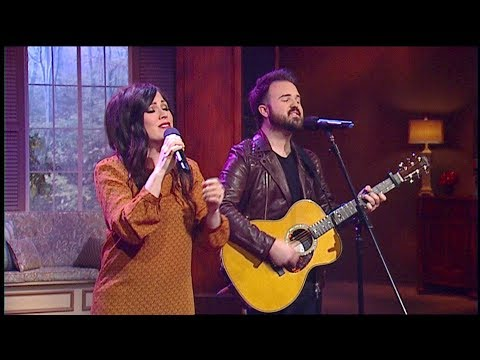 Kari Jobe & Cody Carnes: Forever (James Robison / LIFE Today)